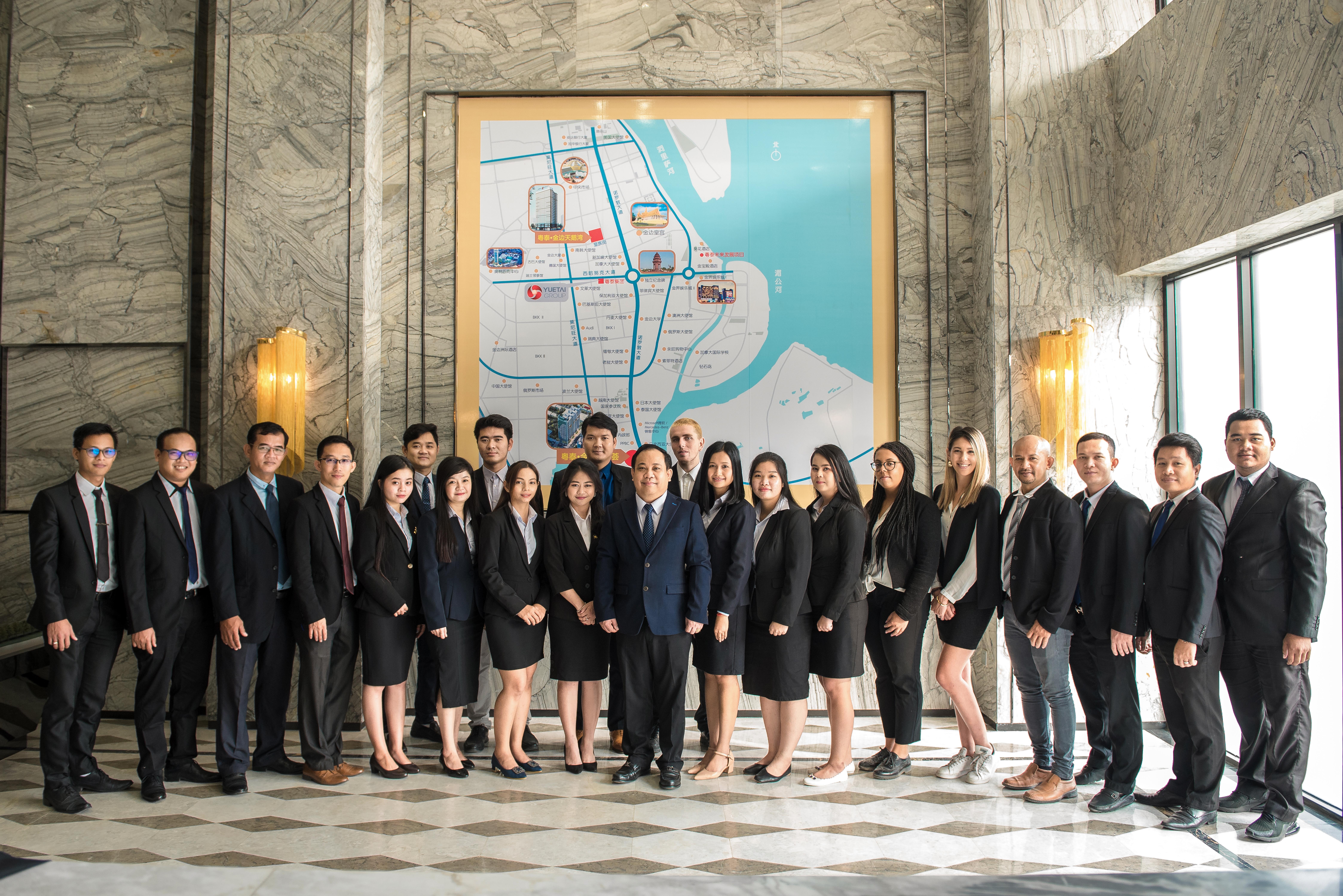 MAR & Associates team